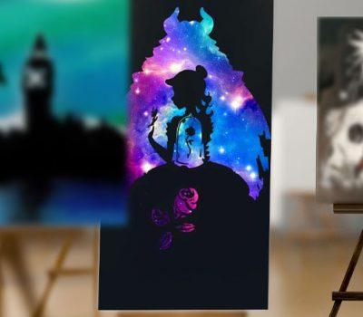 La Bella e la Bestia- Sagome de la Bella e la Bestia con rosa sotto vetro, sfondo nero con colori vivaci- Wolf Art