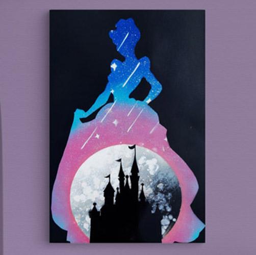 Cenerentola- Sagoma di cenerentola con castello- Spray Paint Art