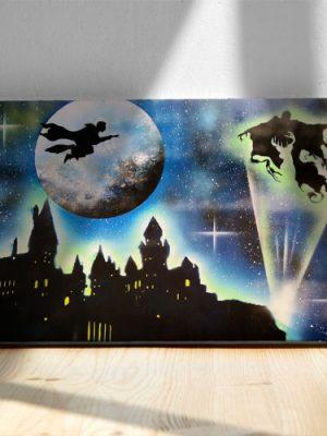 Harry Potter- Maghetto che vola con la scopa sul castello, nemico- Wolf Art-