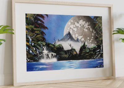 Tenera è La Notte- Immagine notturna di montagna che si specchia nel lago, con luna e alberi- Wolf Art