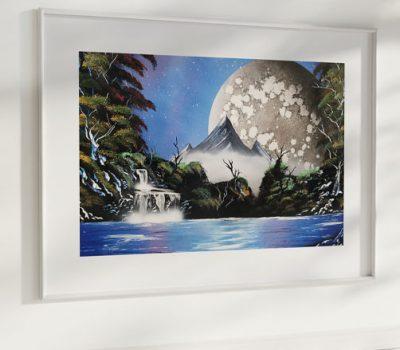 Tenera è La Notte- Montagna che si staglia su lago con luna e alberi- WOlf Art