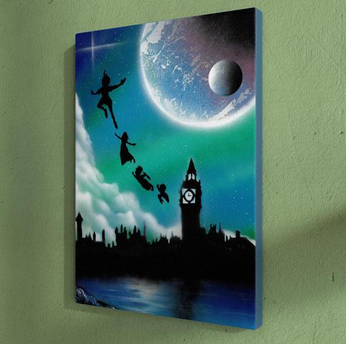 Peter Pan- Immagine notturna dei personaggi che volano di notte di fronte al campanile- Spray Paint Art- Wolf Art